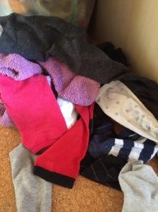 """#6von12 - Achja, die Wäsche. Auch so ein Ding der freien Tage (Einwurf der besten Ehefrau von allen: """"...aller Tage."""") Sehen Sie hier das Sockenbermuda. Sie kennen das."""
