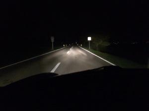 #12von12 - Nach Taxi nach Hause und ausgefallenem Abendessen ging's noch On the Road - Fortbildung auch für mich. Hier schon der Weg zurück. Gute Nacht auch.