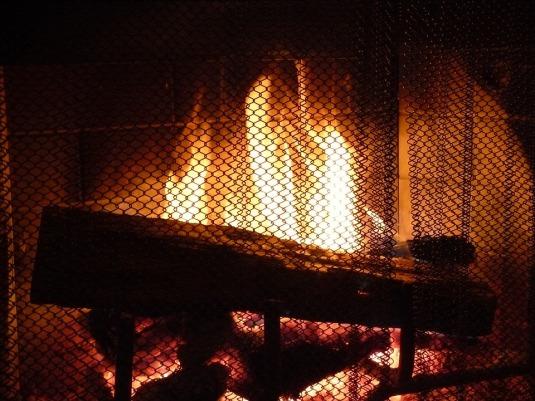fireplace-276359_960_720