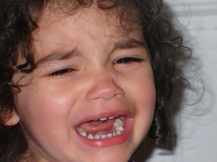 child_girl_crying_little_face_expression_sad_frustration-902582.jpg!d